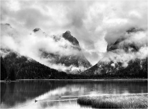 Clouds_over_the_lake